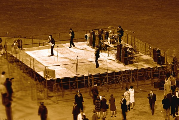 beatles-chron-file-stage-600x403